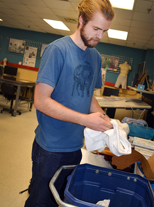 Students Compost Cotton Waste From Campus Labs