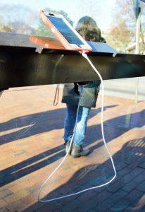solar-bus-stop-usb
